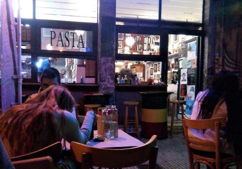 Colibri – Fave burger in Athens