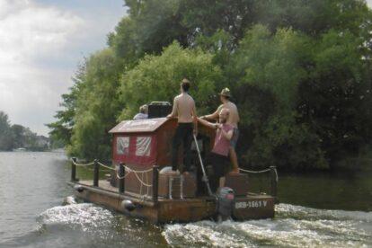 Huckleberry Floats Berlin
