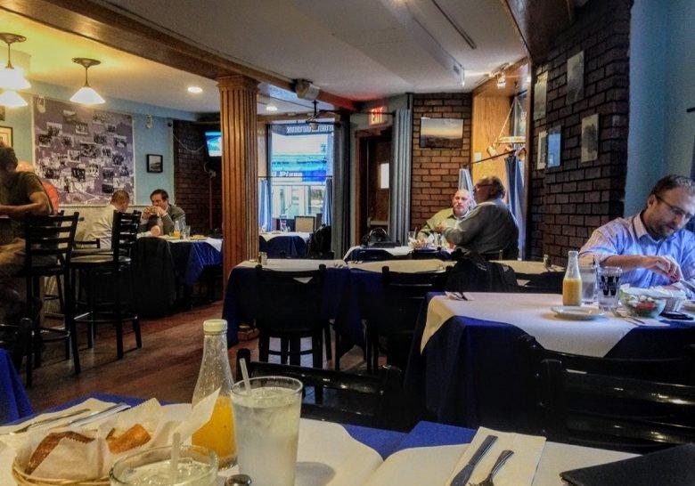 Desfina – The coziest Greek taverna