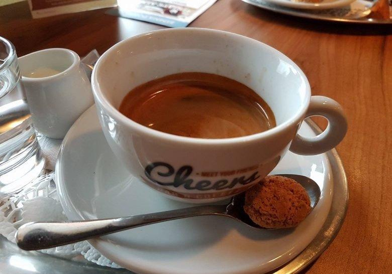 Cheers Bar& Coffee Bratislava