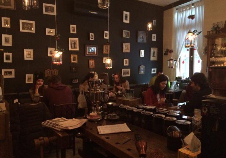 Camera din Fata Bucharest