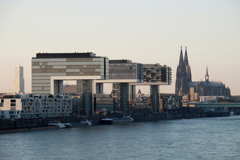 Rheinauhafen – Veedel or business district?