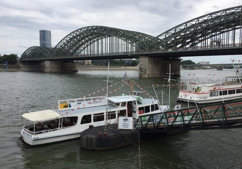 Rheinfähre Strolch Cologne