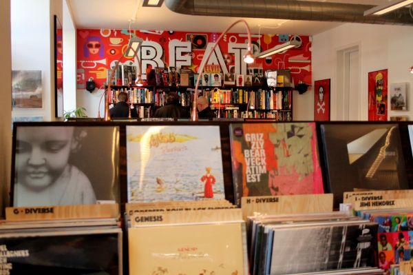 Beat – Vinyl and books