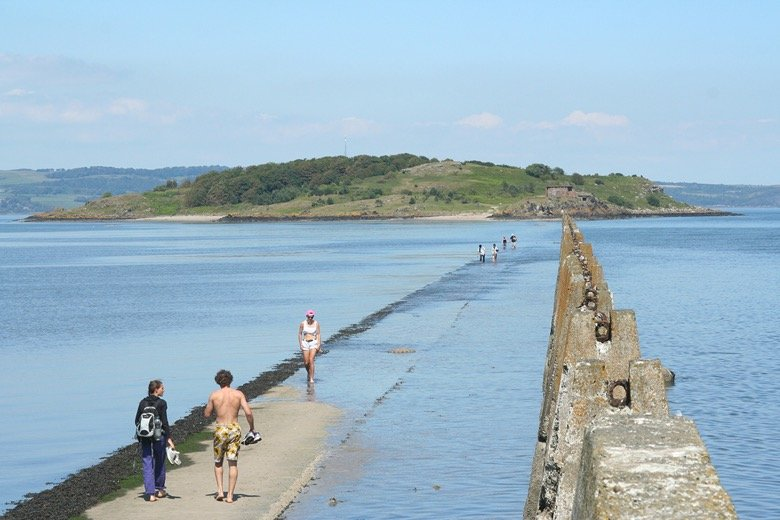 Cramond Island & Pub Edinburgh