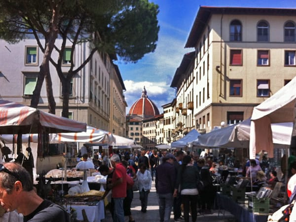 Market on piazza dei ciompi antiques and more florence for Piazza dei ciompi