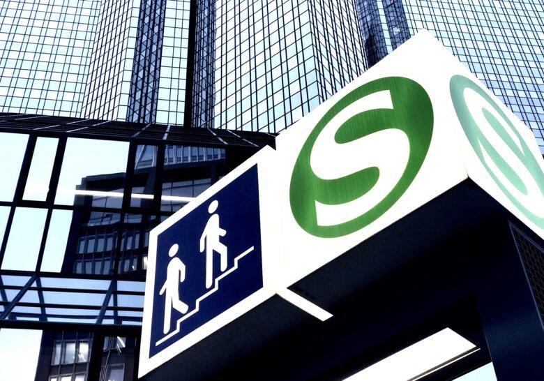 S-Bahn Taunusanlage Frankfurt
