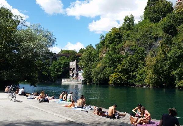 Swimming in the Rohne river Geneva