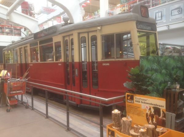 Bauhaus Lokstedt – Tram in the middle of a DIY shop