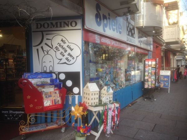 Domino Spielzeug Hamburg