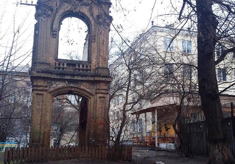 Behterevskiy lane Kyiv