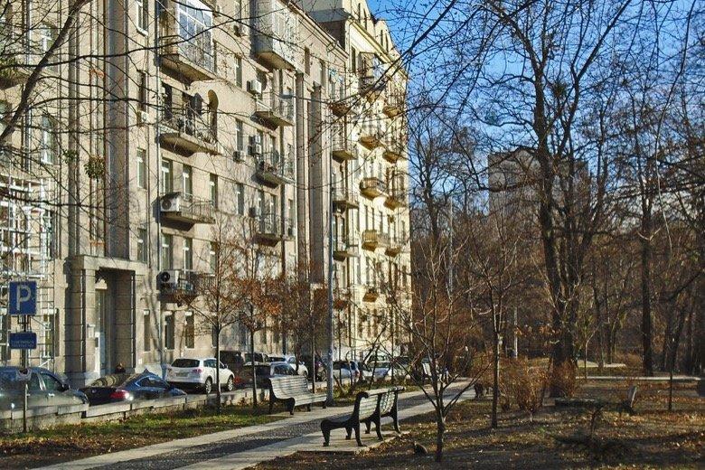 Kozlovskogo alley Kyiv