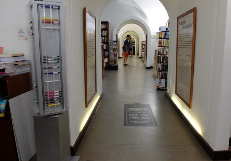 Bertrand (Café) – The oldest bookshop in the world