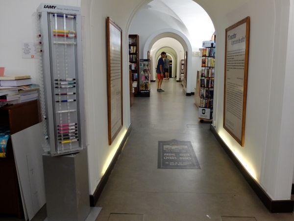 Bertrand (Café) – The oldest bookshop in the world