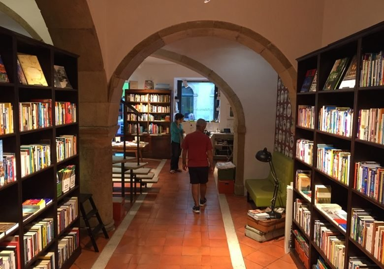 Palavra de Viajante bookstore Lisbon