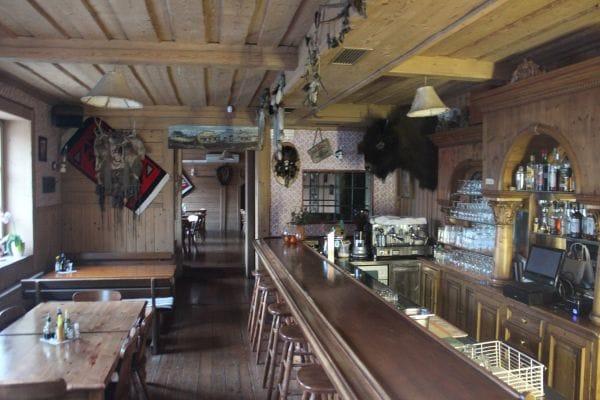 restaurants spotted by locals ljubljana. Black Bedroom Furniture Sets. Home Design Ideas