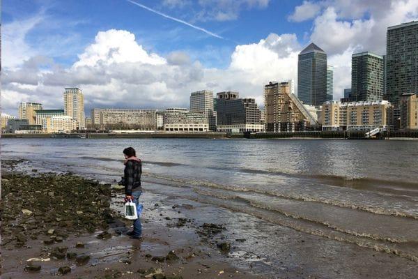 Mudlarking London