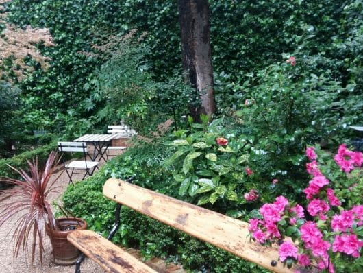 Coffee tea madrid tips by locals spotted by locals for Jardin secreto wine