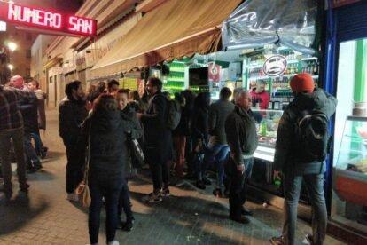 La Consentida de Doré – Beer & olives at the street