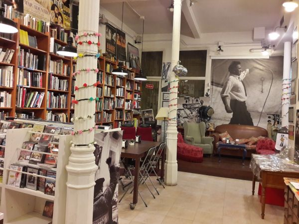 Ocho y Medio Bookstore Madrid