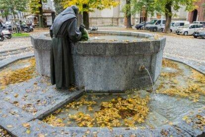 A fountain that stinks Milan