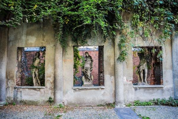 Aristide Calderoni Garden Milan