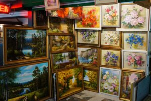 Kupalovsky Shopping Center – Go art shopping!