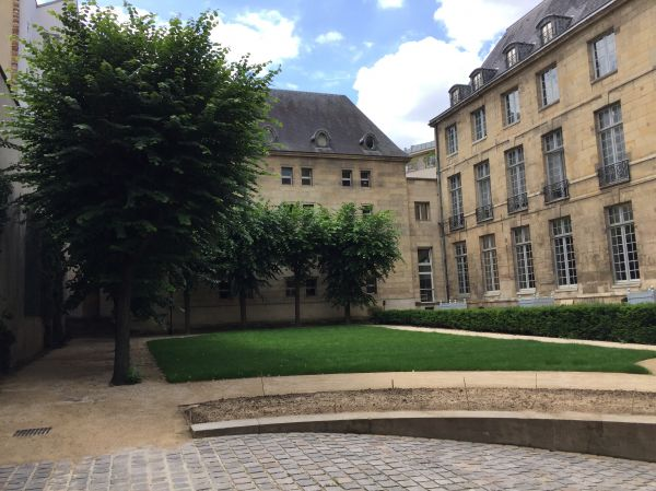 Jardin de l'hotel Lamoignon Paris