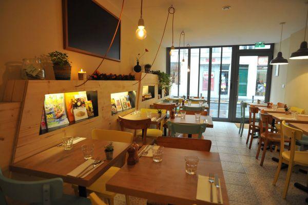 Le Poppy's Café Paris