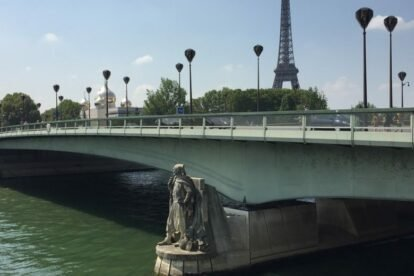 The Zouave of the River Seine Paris
