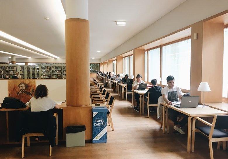 Biblioteca Almeida Garrett Porto