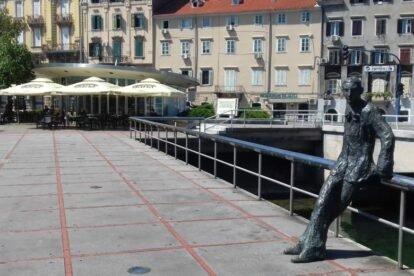 """""""Cont"""" Square Rijeka"""