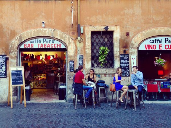 Bar Caffè Perù – Historic neighborhood bar