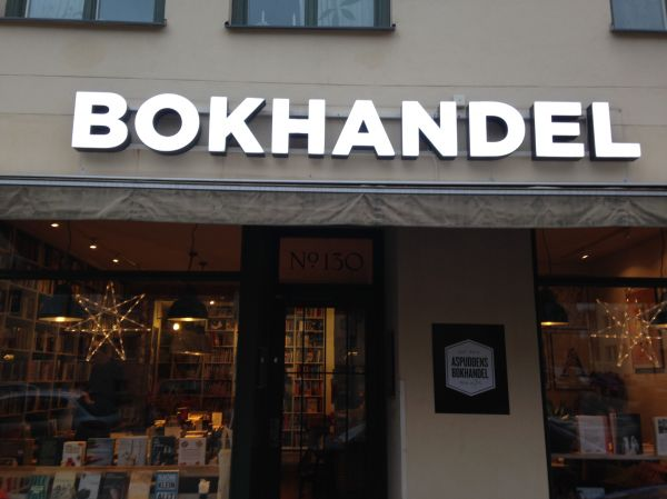 Aspuddens bokhandel – Books and coffee all in one