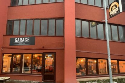 Garage – Pizza in a real garage
