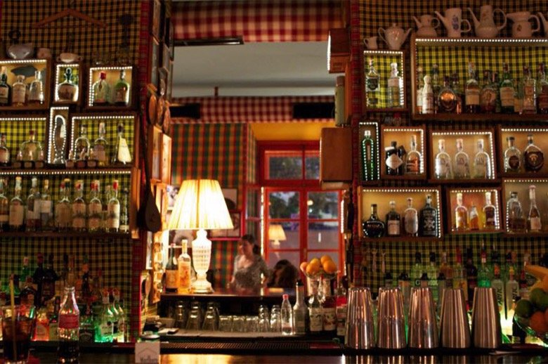 """Radio Bar – Not just another """"hipster"""" bar"""