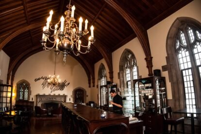 Hart House Gallery Grill Toronto