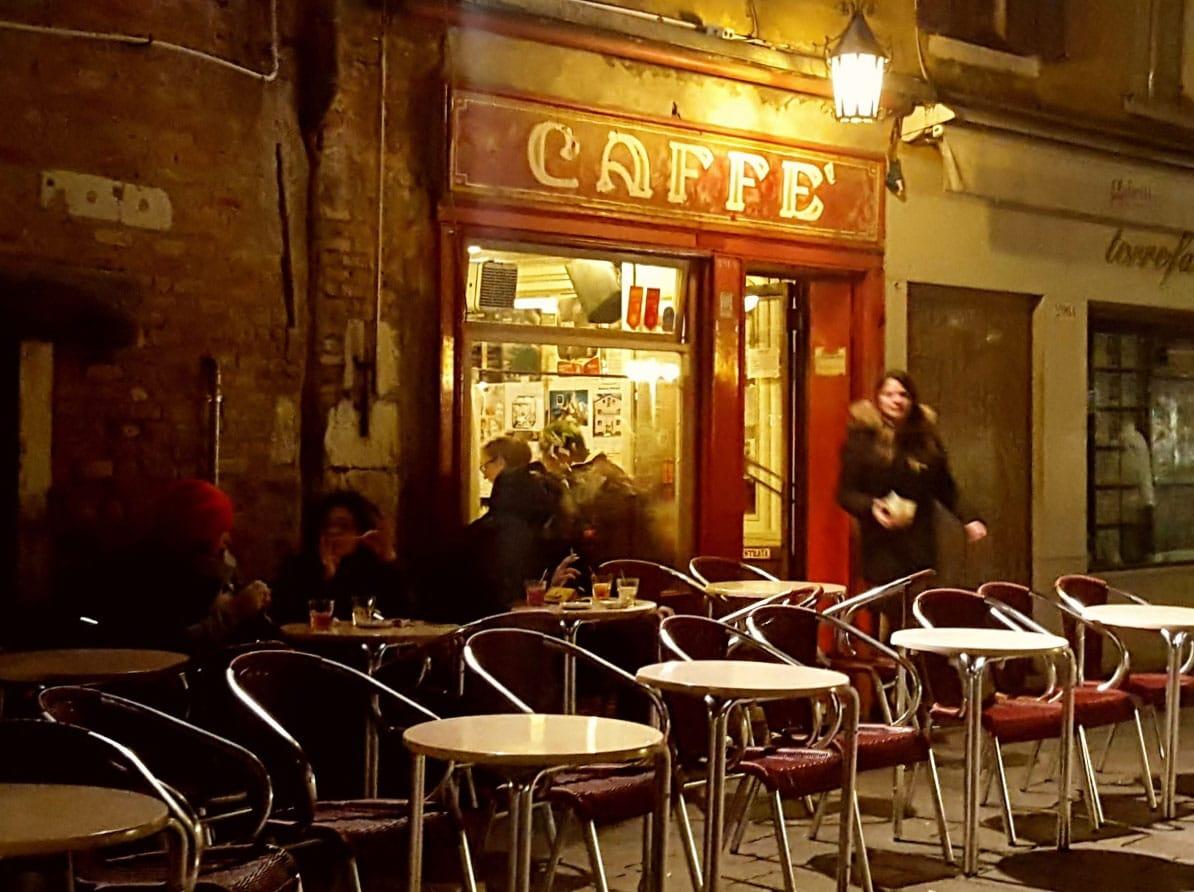 Caffè Rosso - by Nicoletta Bortoluzzi