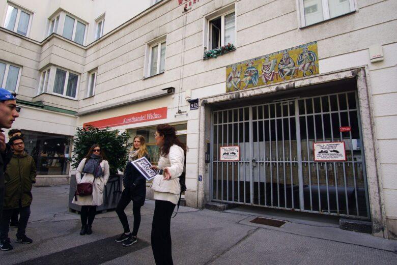 Shades Tours Vienna homeless tour