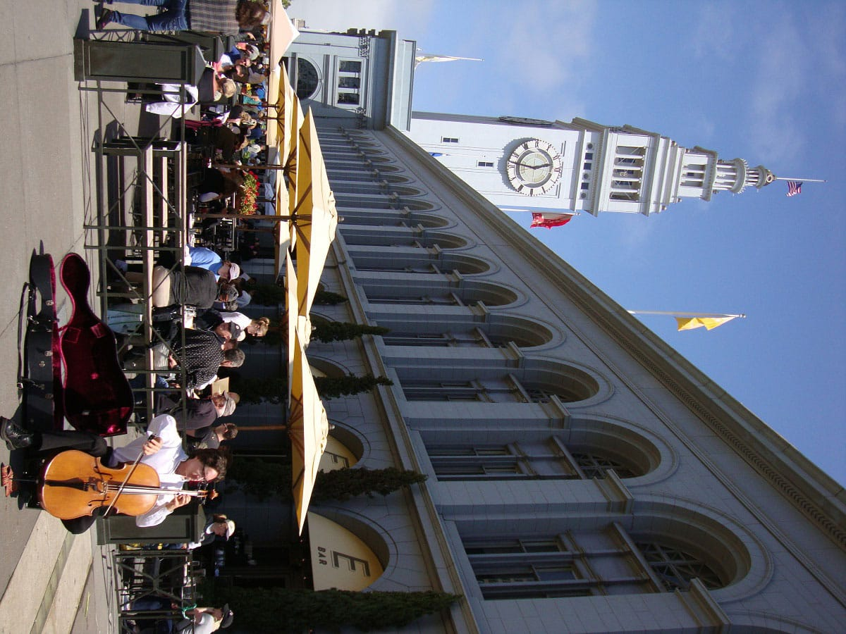 Ferry Plaza Farmers Market - by mary.thengvall (flickr.com)