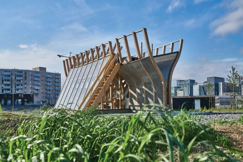 15 of the Coolest Urban Farms Around the World