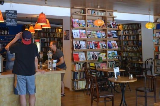 Kelet Kávézó és Galéria - by Timea Szodorai