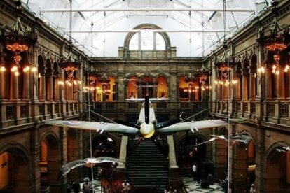 Kelvingrove Art Gallery and Museum - by Stuart Crawford