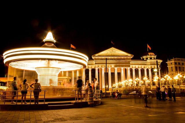 Spinning Sround (Skopje Carousel) - by Marjan Lazarevski (flickr.com)