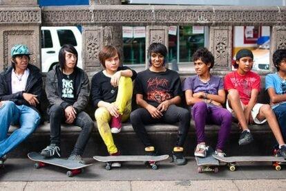Local Mexico City skaters (by sarihuella)