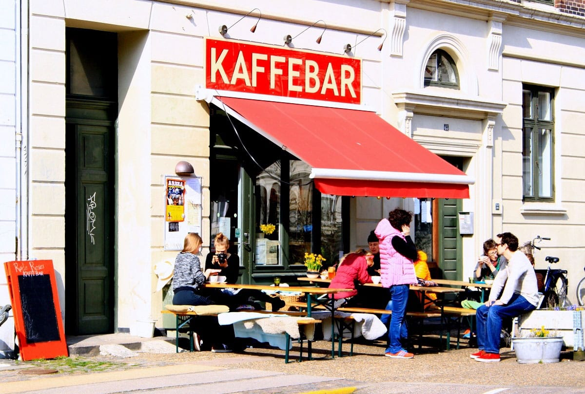 Røde Roses Kaffebar - by Cindy Fonvig