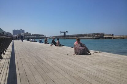 The port of Tel Aviv - and chilling locals on Friday