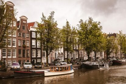 The Gracht - by Tobias Abel