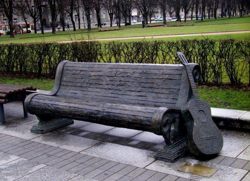 Vytautas Kernagis monument (by Kamilė Naraitė)