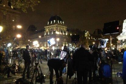 aanslagen-parijs-13-november-republique-pers